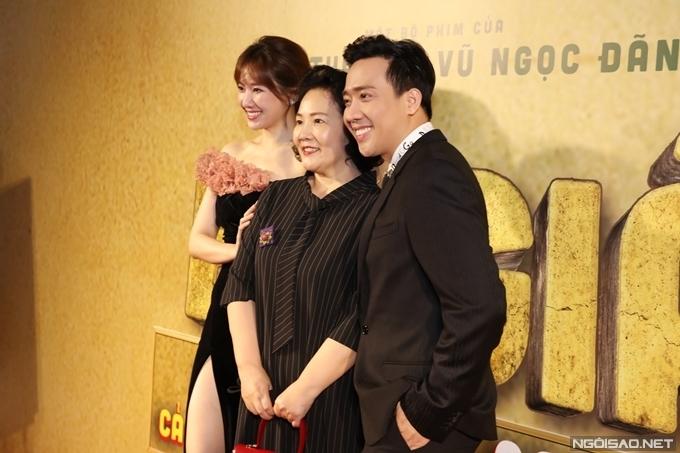 Mẹ vợ người Hàn Quốc đến chung vui cùng vợ chồng Trấn Thành.