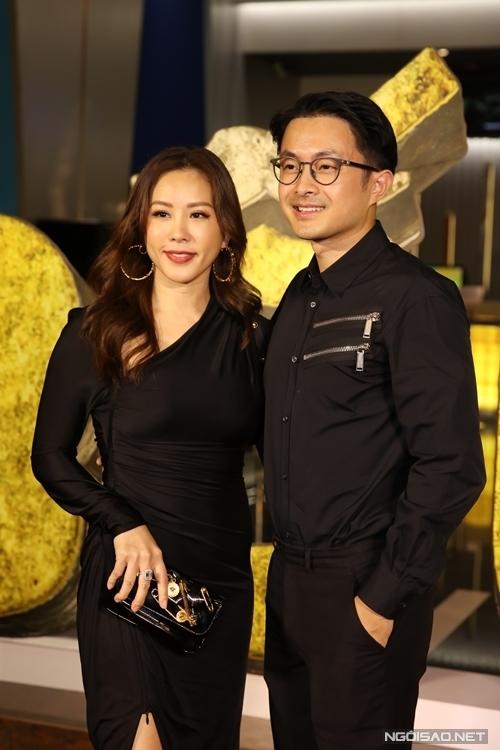Hoa hậu Thu Hoài và ông xã kém tuổi.