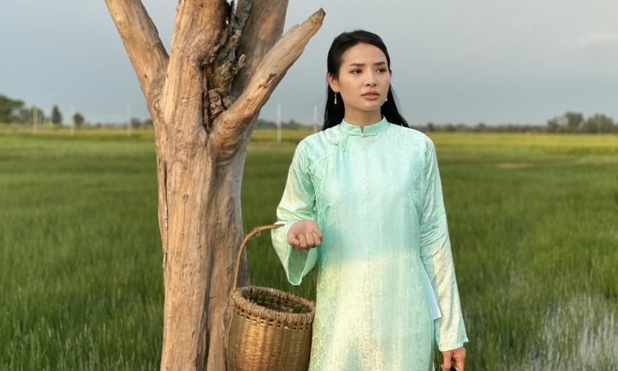 Phương Trinh Jolie lần đầu đóng phim cổ tích