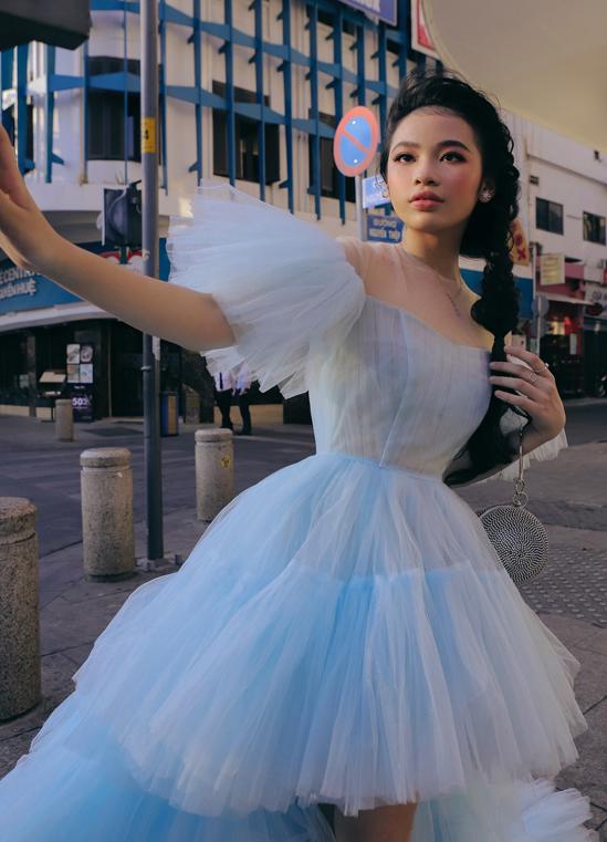 Bộ ảnh do chuyên gia trang điểm Lâm Nguyễn hỗ trợ thực hiện.