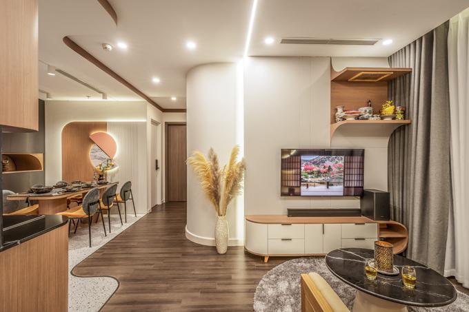 Nơi này được bài trí những đồ nội thất nhỏ gọn, đủ không gian để các thành viên quây quần, sinh hoạt giải trí cùng nhau.
