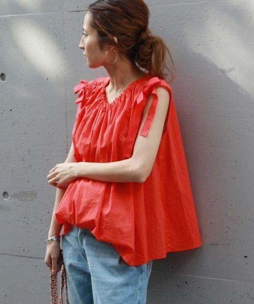 Mẫu áo linen thiết kế dáng free size giúp chị ăn văn phòng giải phóng hình thể một cách hiệu quả nhất.