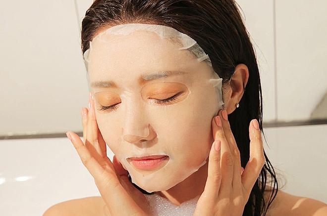 Đắp mặt nạ là phương pháp làm đẹp vừa đơn giản vừa hiệu quả nhưng không phải lúc nào cũng có thể áp dụng.