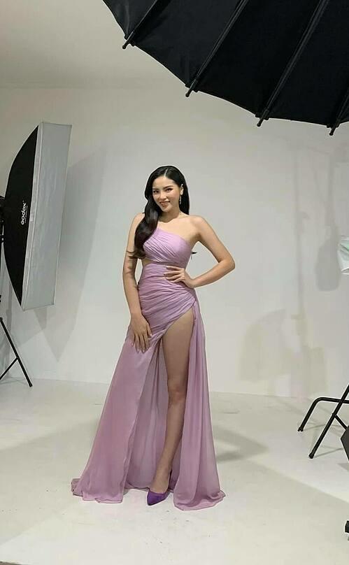 Hoa hậu Kỳ Duyên khoe ảnh hậu trường chụp ảnh, tự tin diện trang phục ôm sát sau khi giảm cân nhờ Eat Clean 10 ngày.