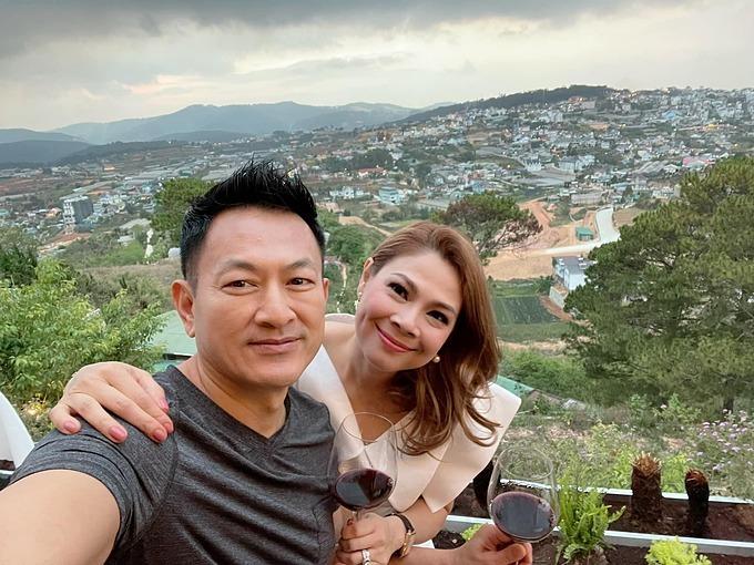 Sau khi Tom Han về Việt Nam, ca sĩ Thanh Thảo đã cùng anh và các con lên Đà Lạt du lịch.