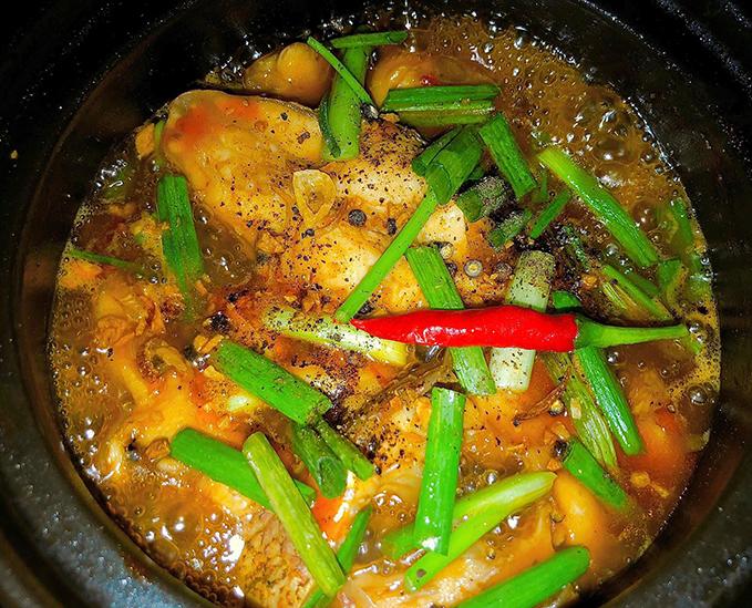 Cá điêu hồng kho nước dừa - 2