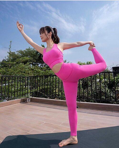 Diễm My 9X tiết lộ yoga chính là liều thuốc có thể chữa lành cả thể chất lẫn tâm hồn của cô.