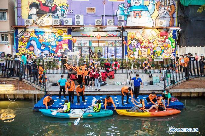 Á hậu Ngọc Thảo ghé dòng kênh hot nhất Bangkok - 8