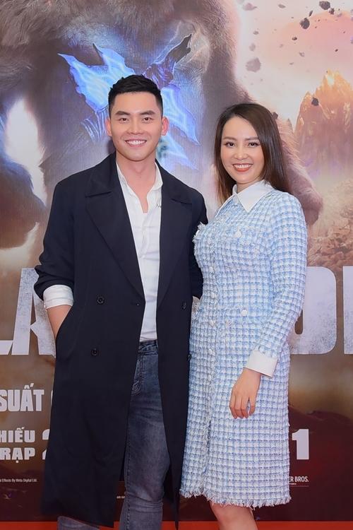 Á hậu Thụy Vân và MC - người mẫu Mạnh Khang hội ngộ trong sự kiện ra mắt bom tấn Godzilla vs. Kong (Godzilla đại chiến Kong) tại Hà Nội.