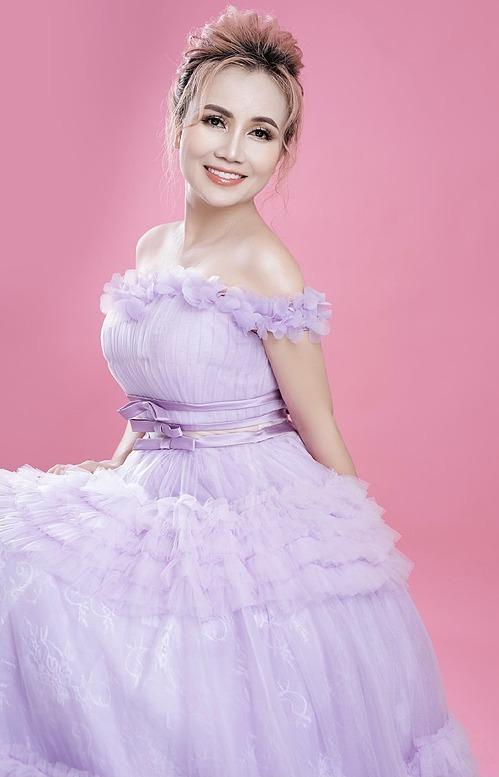 Diễn viên Hoàng Yến trẻ như gái 18 nhờ phẫu thuật thẩm mỹ.