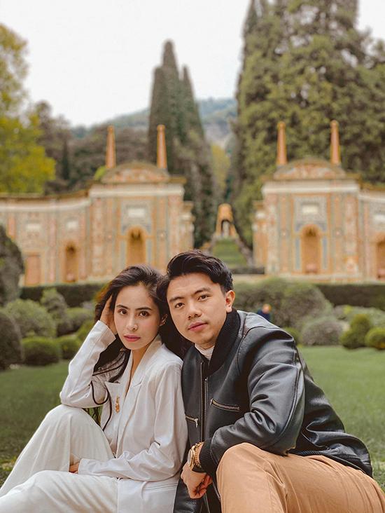 Trước khi dịch Covid-19 ập đến, vợ chồng cô còn hay cùng nhau đi nước ngoài để hâm nóng tình cảm. Họ từng đi nhiều nước trên thế giới như Hàn Quốc, Pháp,...