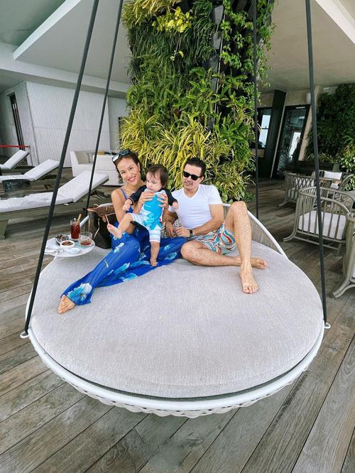 Vợ chồng Phương Mai - Marcin Miller vẫn có được tình yêu nồng nhiệt như thưở mới quen, dành cho nhau những buổi hẹn hò riêng hay cùng chăm con.