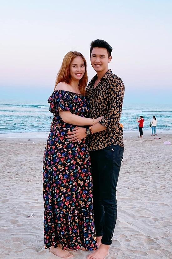 Thảo Trang và Trương Quang Pháp bí mật kết hôn giữa tháng 10/2020. Hiện nữ diễn viên mang thai con trai đầu lòng, dự kiện sính vào cuối tháng 4.