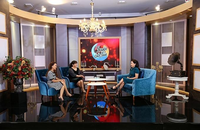 Chuyện Cuối Tuần với chủ đề Học cách làm mẹ chồng cùng cuộc trò chuyện  thú vị giữa MC Ngô Như Quỳnh, tiến sĩ tâm lý Tô Nhi A và NSND Kim Xuân sẽ được phát sóng vào 21h30 hôm nay (17/4) trên kênh VTV9.