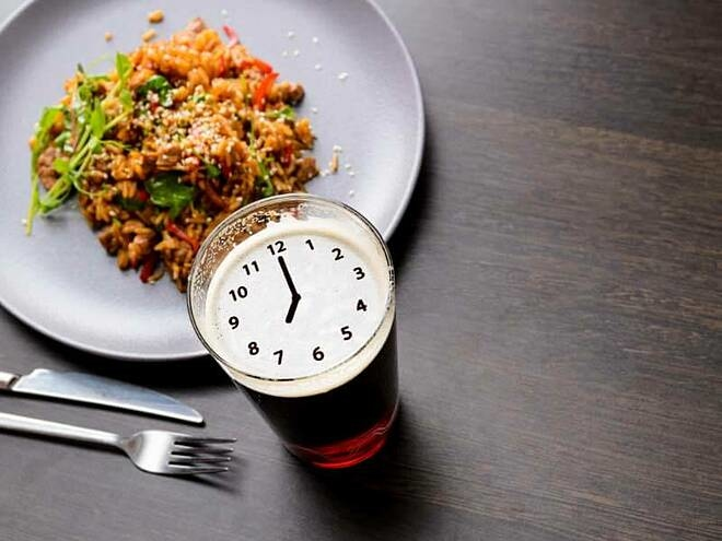 Finishing dinner by 19 o'clock makes it easier to lose weight.