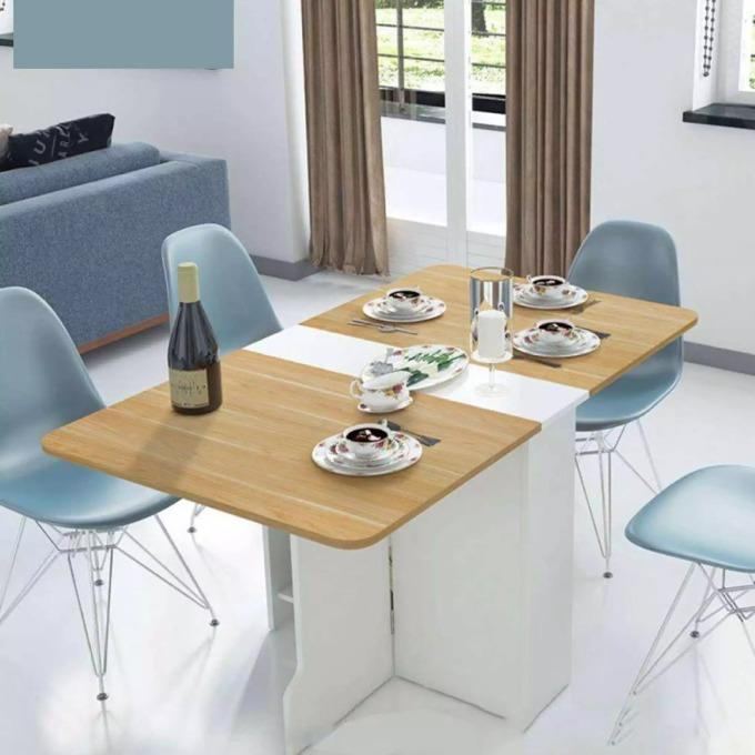 Mẫu bàn ăn gập gọn đặc biệt phù hợp với những căn hộ chung cư hoặc nhà nhỏ. Khi cần sử dụng, bàn có thể mở rộng ra thành kích thước dài 140 cm, rộng 80 cm, cao 74 cm; hoặc gấp gọn chỉ còn 80 cm x 25 cm x 74 cm.