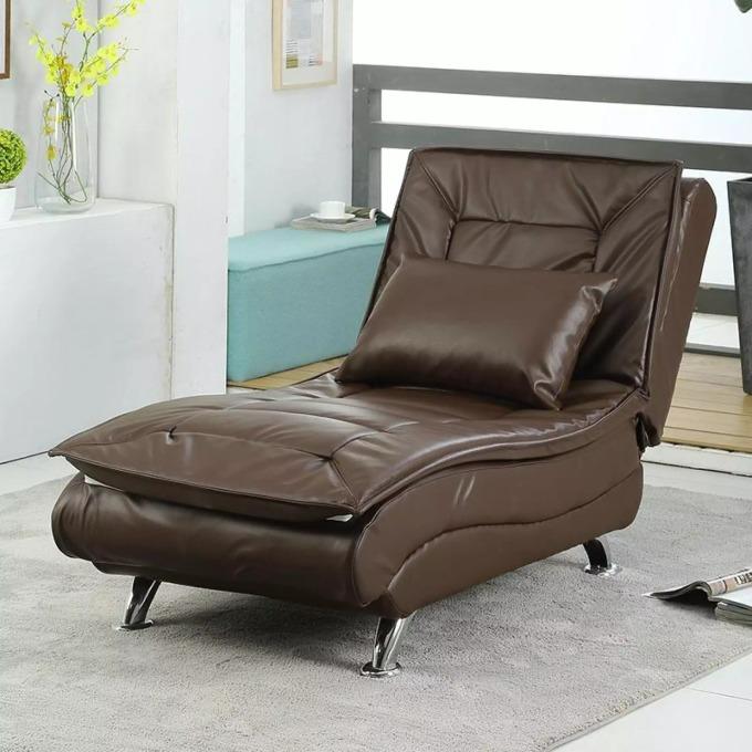 Một chiếc ghế sofa đa năng có thể mở rộng thành giường nằm là lựac họn lý tưởng cho khu vực phòng khách và phòng làm việc để có thể thư giãn, nghỉ ngơi mọi lúc. Chiếc giường sofa bọc da sang trọng với kích thước 178 cm  x 70 cm x 45 cm hiện có giá giảm đến 26% chỉ còn 3,315 triệu đồng (giá gốc đến 4,5 triệu đồng) trên Lazada nhân chương trình Lương đã về. Khung ghế có thể kéo ra thành giường nằm đơn giản với ba mức ngã lưng. Mặt ghế bọc da kèm lớp đệm êm ái, bốn chân đỡ bằng kim loại giúp giữ thăng bằng. Xem thêm thông tin sản phẩm và chọn mua tại đây.