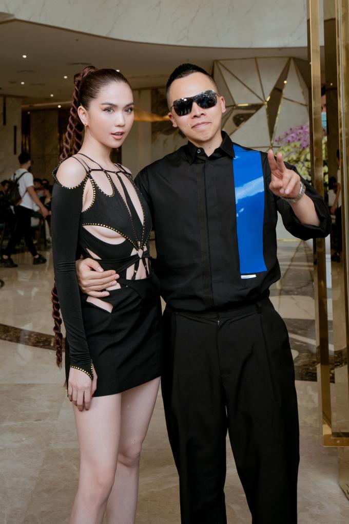 Cả hai đang bắt tay thực hiện một dự án kinh doanh. Hôm 25/4 họ đồng hành ở buổi casting tuyển người mẫu cho show nội y Venus Secret.