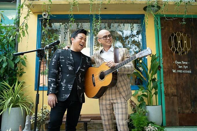 Phan Đinh Tùng hội ngộ ca sĩ Quang Lê.