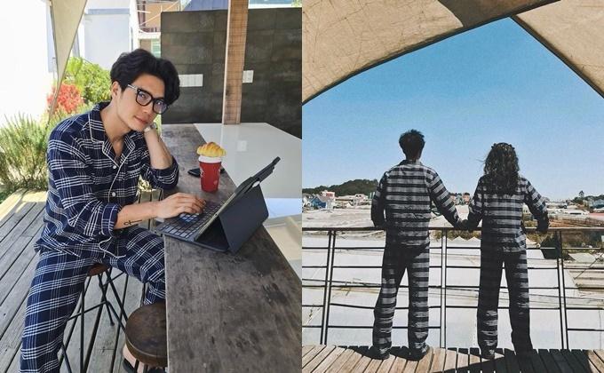 Huy Trần đăng ảnh từ phía sau bên bạn gái Ngô Thanh Vân khi đi nghỉ dưỡng ở Đà Lạt và bày tỏ: Thức dậy bên em giống như ly cà phê nóng buổi sáng, khiến mình có một cảm giác hồi hộp, an ủi và làm cho anh háo hức để bắt đầu một ngày mới.