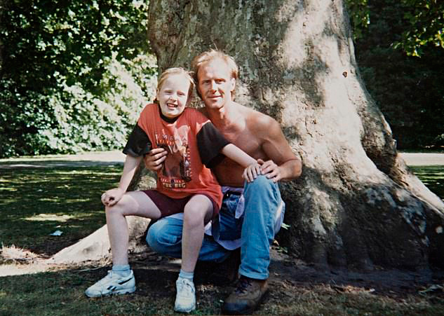 Bức ảnh hiếm hoi của Adele và bố.