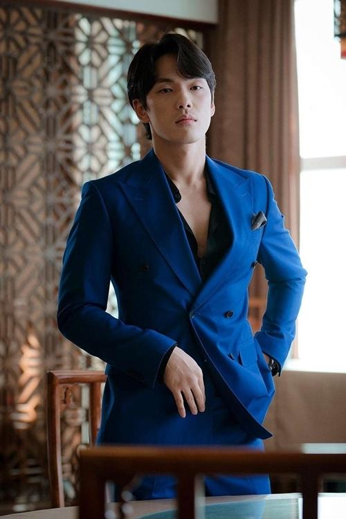 Diễn viên Kim Jung Hyun nổi tiếng sau phim Hạ cánh nơi anh.