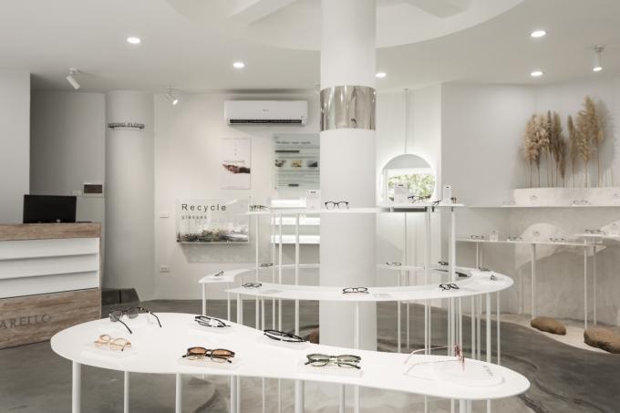 Showroom lấy cảm hứng từ các bảo tàng đương đại châu Âu, chú trọng cách bài trí, hòa quyện giữa kiến trúc và hiệu ứng thị giác.