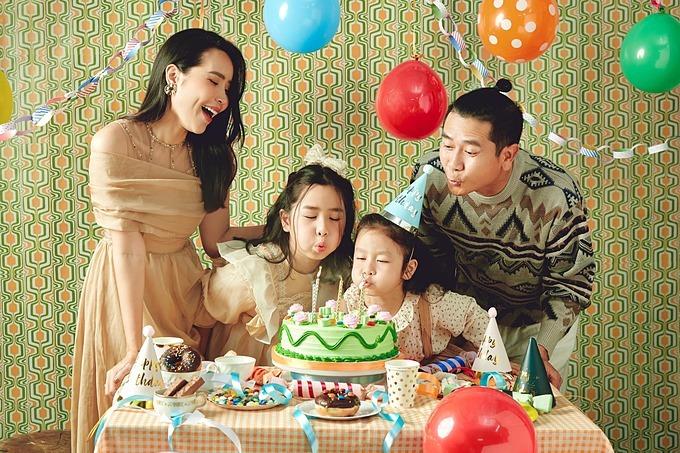 Ảnh sao 17/5: Vợ chồng Hồ Hoài Anh mừng sinh nhật con
