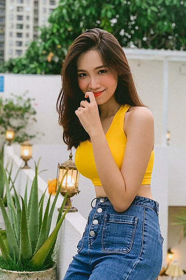 Những mỹ nhân được fan kỳ vọng thi Hoa hậu Hoàn vũ Việt Nam 2021 - 9