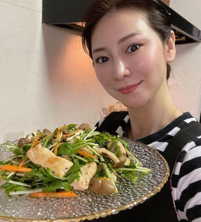 Thói quen ăn uống của người Nhật cũng góp phần giúp họ trẻ lâu.