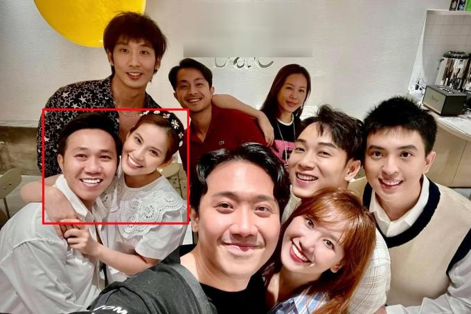 Cặp đôi đi chơi với hội bạn thân: Trấn Thành, Hari Won, Tuấn Trần...