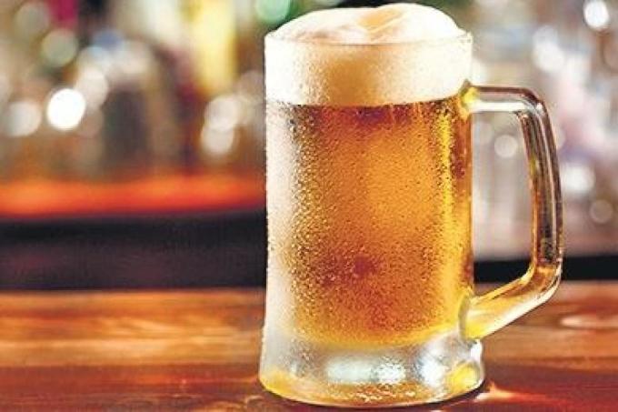 Bia là nguyên liệu làm đẹp tuyệt vời cho làn da và mái tóc.