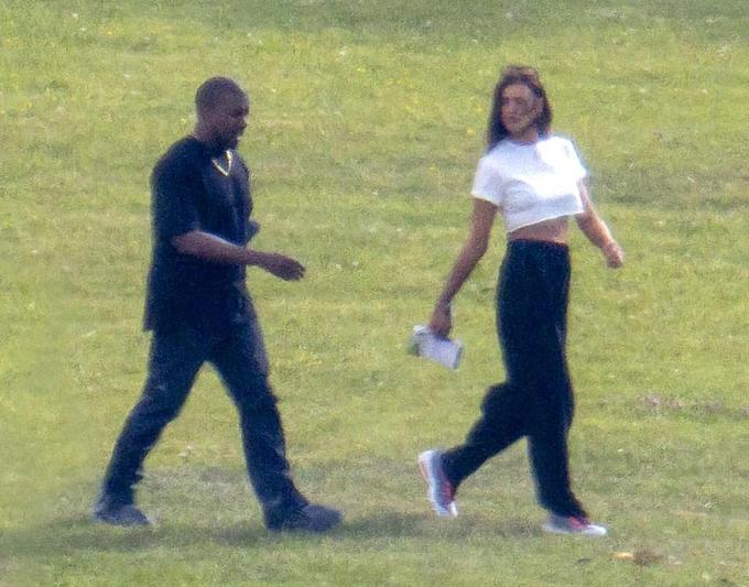 Kanye West bao trọn khách sạn xa hoa ở Pháp để tận hưởng sinh nhật cùng bạn gái mới-4