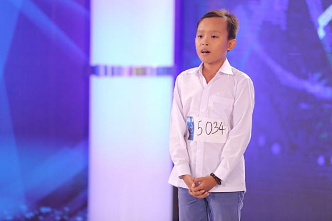 Hồ Văn Cường sinh năm 2003, quê Tiền Giang, Xuất thân từ gia đình nghèo khó (bố làm thợ hồ, mẹ làm rẫy mướn