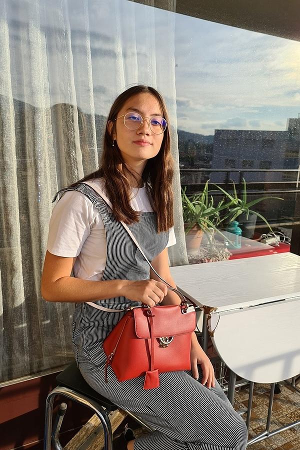 Con gái lai Italy của Kim Ngân Người đàn bà yếu đuối - 4