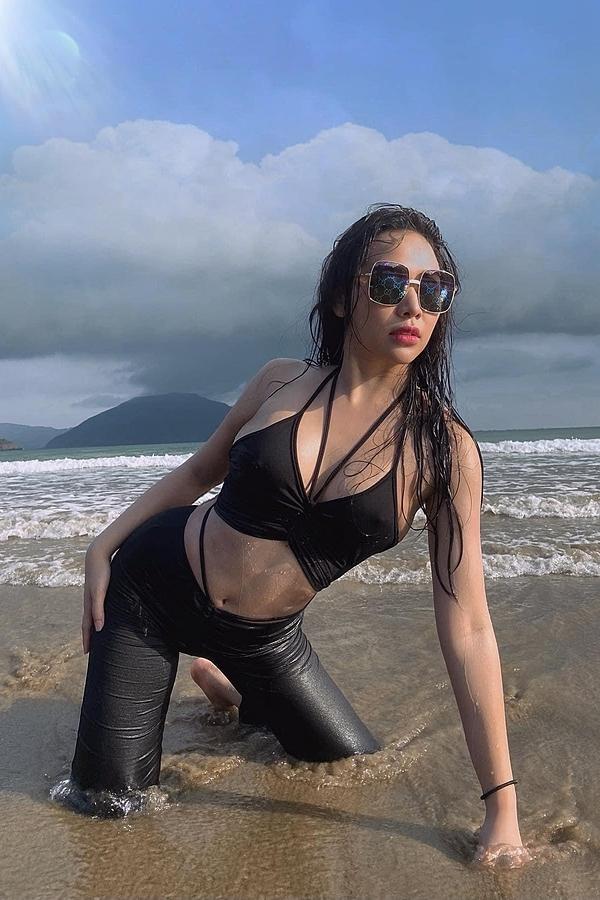 Vóc dáng bạn gái sexy của Tiến Linh - 3