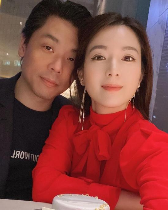 Vợ chồng Cẩu Vân Tuệ lần cuối cùng chụp ảnh bên nhau.