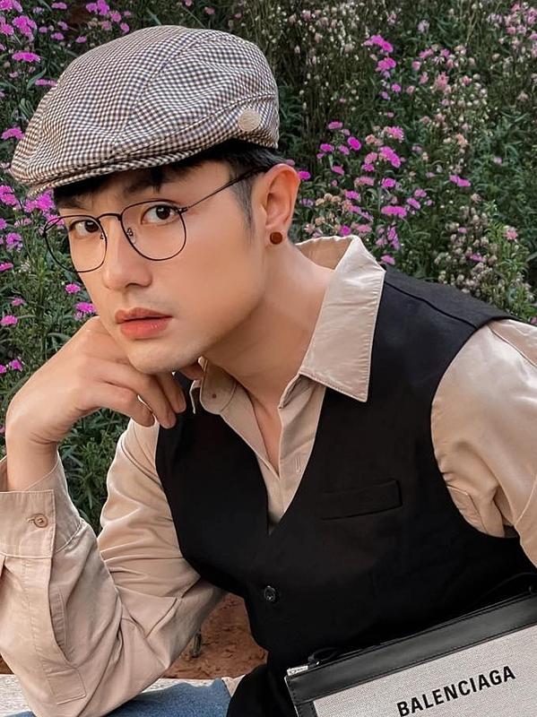 Quang Lâm được khán giả biết đến qua phim sitcom My Best Gay Friends - lấy chủ đề về cộng đồng LGBT năm 2012. Về sau, anh thường tham gia các dự án parody của bạn trai BB Trần.