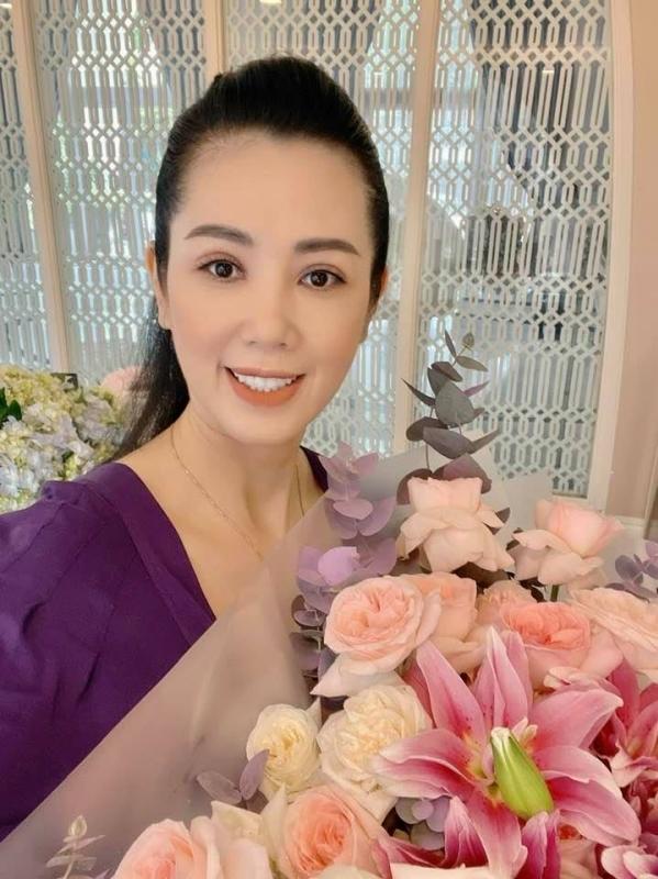 Nhan sắc của á hậu Vi Thị Đông tuổi 46 - 1