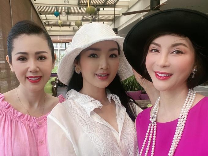 Nhan sắc của á hậu Vi Thị Đông tuổi 46 - 4