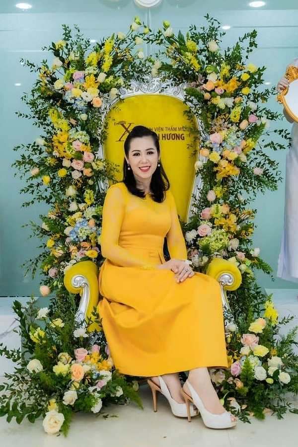 Nhan sắc của á hậu Vi Thị Đông tuổi 46 - 5