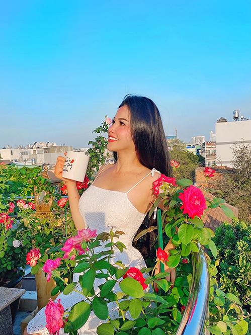 Vườn hơn trăm gốc hồng của hoa hậu Janny Thủy Trần - page 2