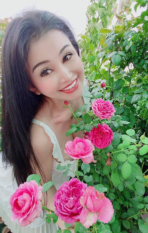 Vườn hơn trăm gốc hồng của hoa hậu Janny Thủy Trần - page 2 - 11