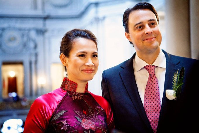 Năm 2017, nhân dịp kỷ niệm ngày cưới, anh Attila bày tỏ tình cảm đến vợ: