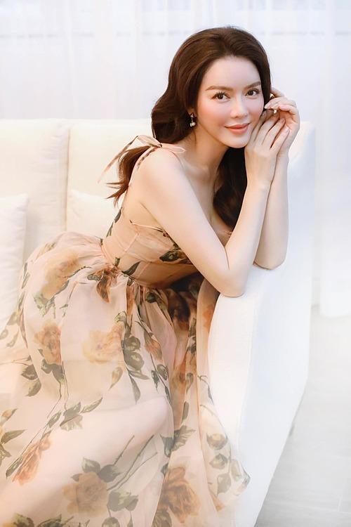 Lý Nhã Kỳ bị chỉ trích khi đăng ảnh xinh đẹp ở tuổi 39.