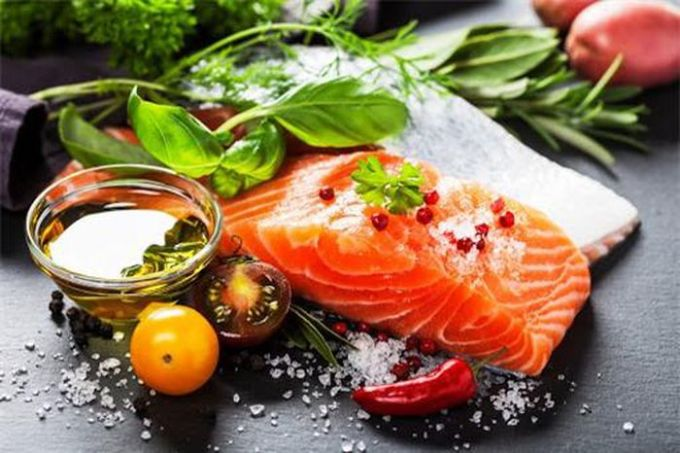 Các loại cá béo giúp cải thiện chuyển hoá, tăng cường tiêu đốt mỡ thừa.