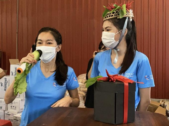 Á hậu Ngọc Thảo được mừng sinh nhật bằng tỏi, rau xanh - 1
