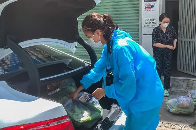 Dự án 10 tấn thực phẩm 0 đồng do hoa hậu Ngọc Diễm cùng các thành viên Liên đoàn Lãnh đạo trẻ TP HCM khởi xướng. Nhờ sự ủng hộ của các mạnh thường quân, đội ngũ tình nguyện viên, dự án đã đi đến giai đoạn thứ 5, giúp đỡ các bếp thiện nguyện, mái ấm tình thương và hàng nghìn hộ dân khác.