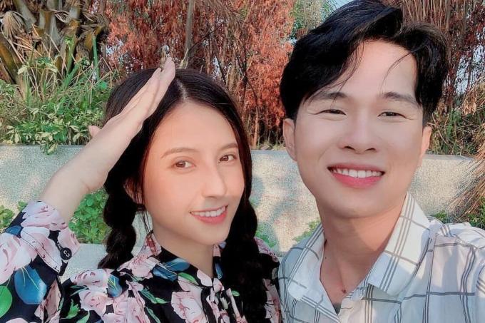 Ca sĩ Jack và bạn gái cũ Thiên An ở hậu trường quay MV Sóng gió.
