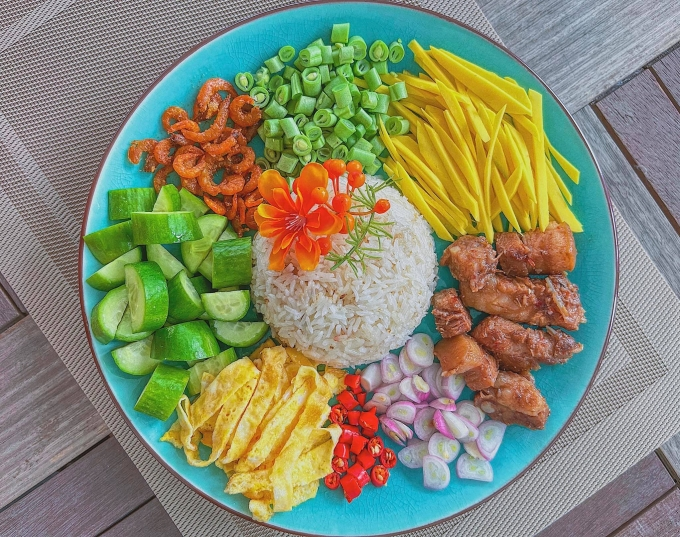 Đĩa cơm chiên mắm Thái của Lan Khuê.